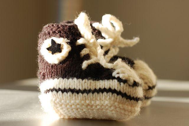 Converse Baby Booties : free pattern kid knits Pinterest