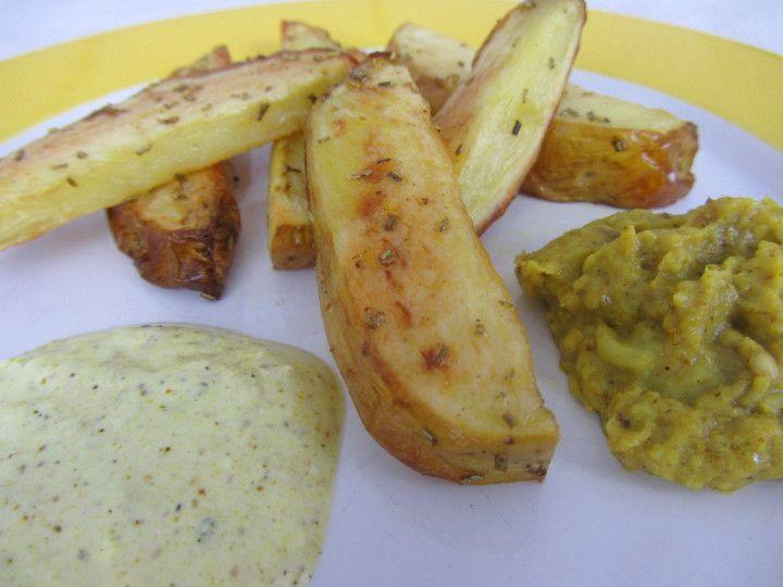 Babyrezept Rosmarin-Ofenkartoffeln für BLW-Anfänger auf babyspeck.at. Baby led weaning Rezept für Beikoststart mit Erdäpfel/Kartoffeln. In 30 Minuten fertig