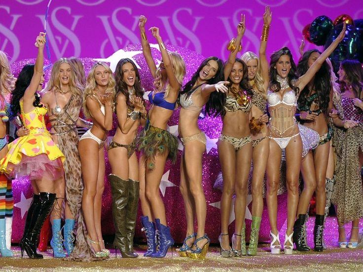 Menos de una de semana para el desfile de Victoria Secret - http://www.mujercosmopolita.com/menos-de-una-de-semana-para-el-desfile-de-victoria-secret.html