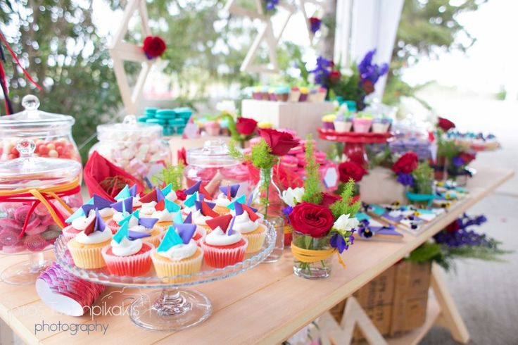 girl #baptism #decoration #candytable #springtheme #cupcakes #red #roses #flowers #destinationeventplanners #Rhodes #Greece