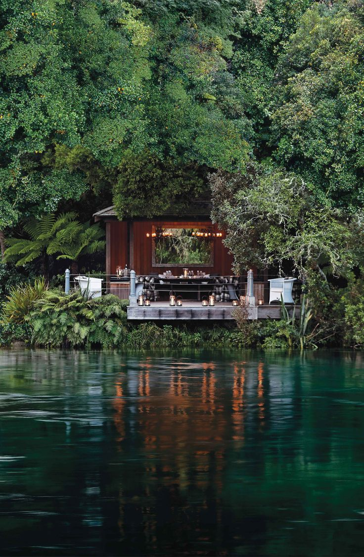 Private dining on the Jetty Pavillion at Huka Lodge, New Zealand // Mildred&Co