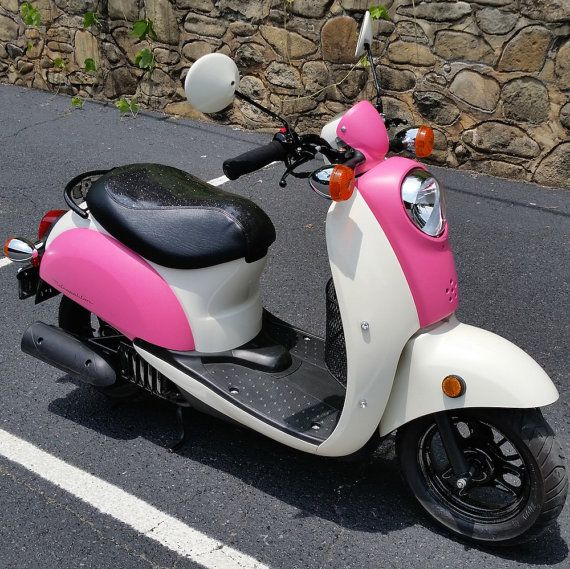 How can you add to the already awesome Honda Metropolitan?  Well, a sparkle / glitter seat cover might be just the thing - so twinkly!! Handmade in PA