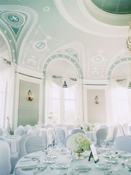 White Wedding edmonton hotel macdonald wedgewood wedding