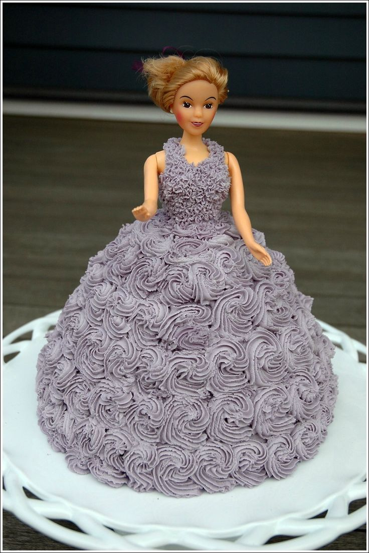 Barbie Doll Cake Decorating Ideas : 32 best images about Doll cakes :) on Pinterest Barbie ...