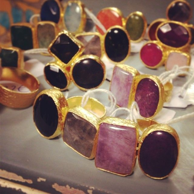 Los anillos de piedra Beroque realizados artesanalmente fueron otra de las maravillas al alcance de todos en #lestock #madrid  #tiendas #compras #anillos #diseño #artesanal #regalos #bisuteria
