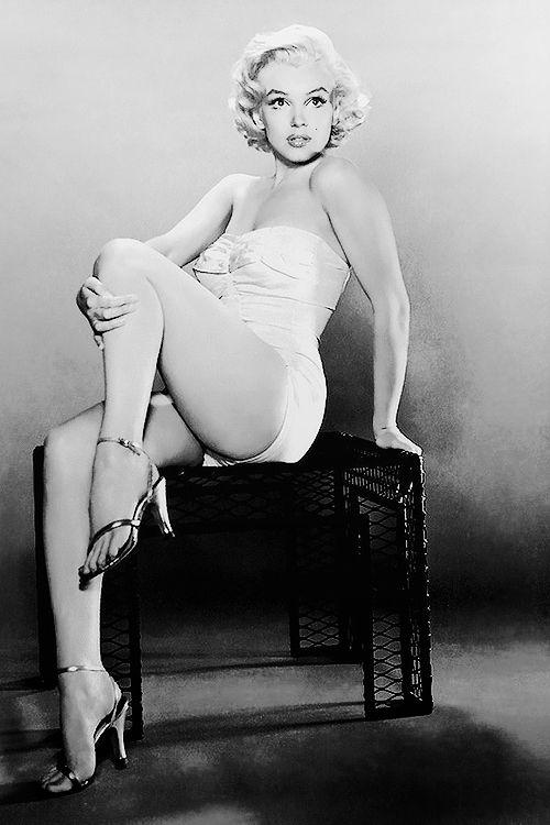 missmonroes:Marilyn Monroe photographed by Nick De Morgoli, 1953.