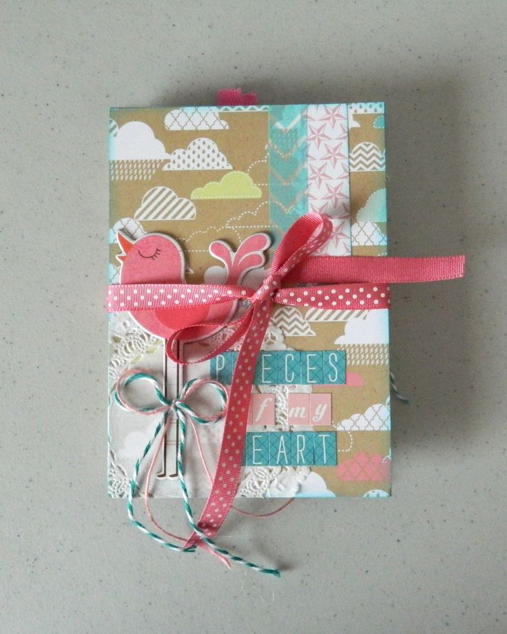 Great tutorial on how to make your own mini album! #scrapbook #crafts #diy