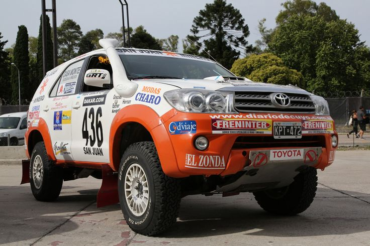 Toyota DAKAR RALLY 2015 Fortuner