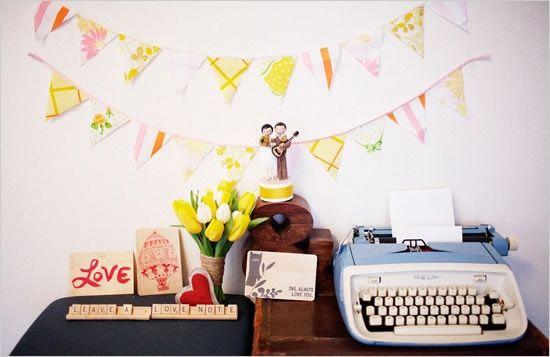 Um livro de assinaturas é mais uma forma de guardar lembranças do seu grande dia. Confira as melhores ideias para surpreender os seus convidados!