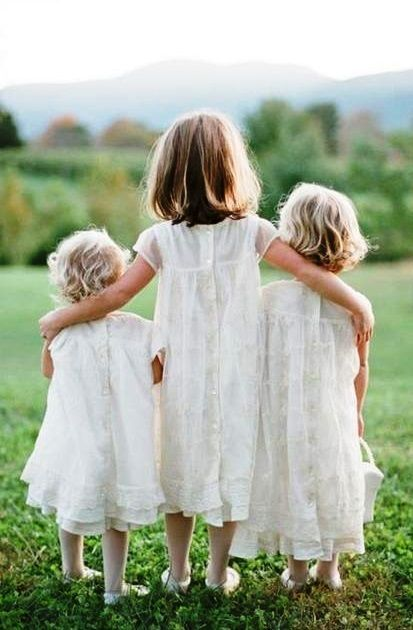 ❸ Three Sisters in white dresses Toni Kami ~•❤️• Bébé •❤️•~ Adorable child family sibling photography idea