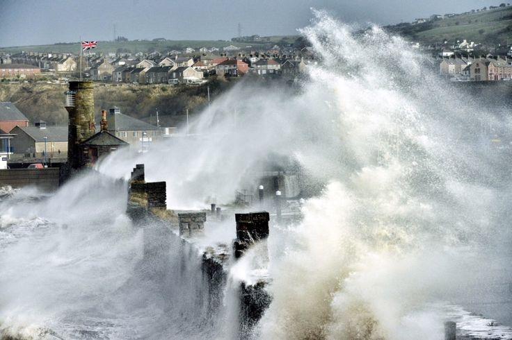 Ostatecznie zwycięzcy zostaną przedstawieni podczas konferencji meteorologicznej w Reading, 10 i 11 września. Później natomiast ruszy wystawa objazdowa po Wielkiej Brytanii, prezentująca nagrodzone zdjęcia.