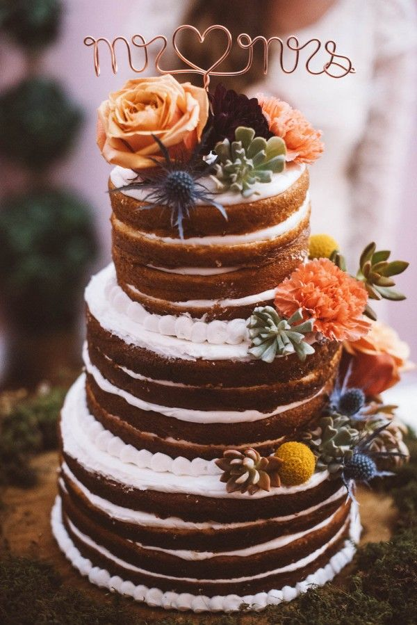 Obsessed with this naked wedding cake | Jessi Field Photography