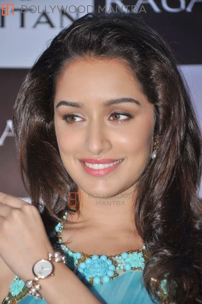 http://celebrityhdwallpapersfree.blogspot.com/2014/04/shraddha-kapoor-hd-wallpapers.html