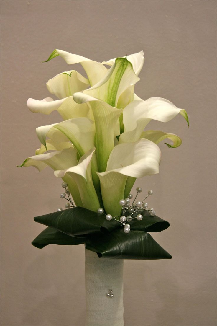 Modern Wedding Bouquets   Calla Lily Wedding Flowers   Wedding Flowers Ireland