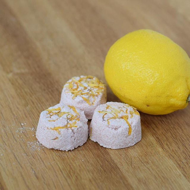 Our Champagne Citrus Bath Melts are now in #TheSparkleShop!  These are perfect for a luxurious and relaxing bath! (shop via link in bio!) They make a great gift and stocking stuffer!⠀ .⠀ .⠀ .⠀ #lovelybody #styledtosparkle #collaboration #everybodyislovely #fizz #bathbomb #bathmelt #champagne #citrus #champagnecitrus #yum #shop #products #gift #stockingstuffer #productlaunch #announcement #girlboss #yyc #natural #organic #body #bath #beauty #bodybeauty