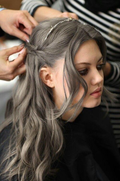 couleur cheveux tie and dye gris coiffures la mode de cette saison. Black Bedroom Furniture Sets. Home Design Ideas