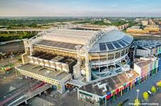 Amsterdam ArenA uses Nissan LEAF Batteries to provide back up power. The xStorage Buildings system efficiently stores and distributes energy when it's needed.  By repurposing batteries from previously used electric vehicles, the xStorage Buildings system can draw energy from the grid, providing businesses with more control, better value and a more sustainable choice for their energy consumption.