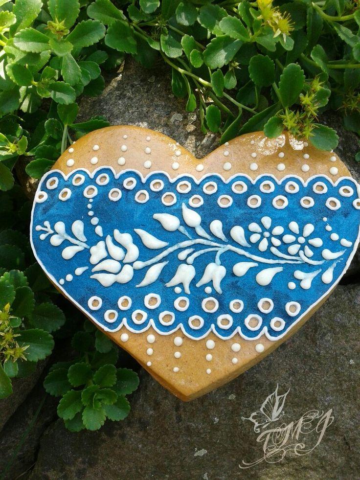 Magyaros kékfestő jellegű mézeskalács szív by TMJcreative.