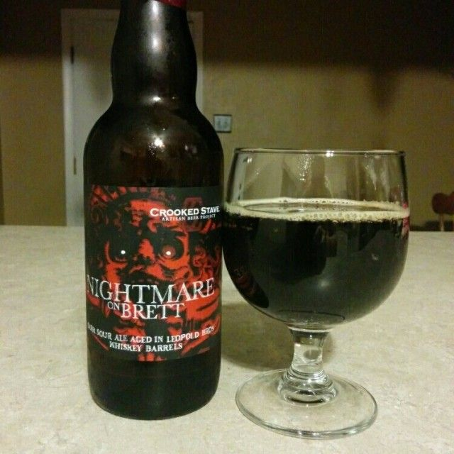 Cerveja Nightmare On Brett (Aged in Leopold Bros Whiskey Barrels), estilo Porter, produzida por Crooked Stave, Estados Unidos. 9.66% ABV de álcool.