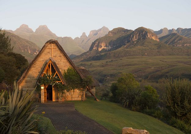 The chapel at Cathedral Peak Hotel is a magical place to say I do!