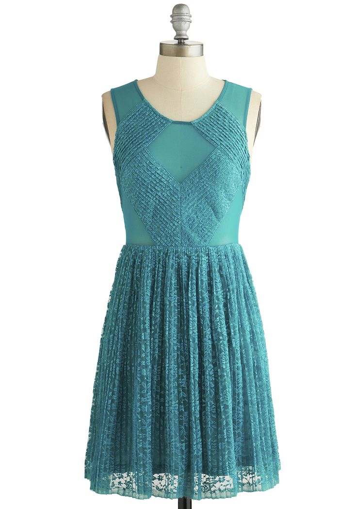 A Cappella Choir Dress. As a singer in an all-girls a cappella group, you know your ensemble should be as textured as your performances - so you donned this lacy teal dress for todays big number! #blue #prom #modcloth