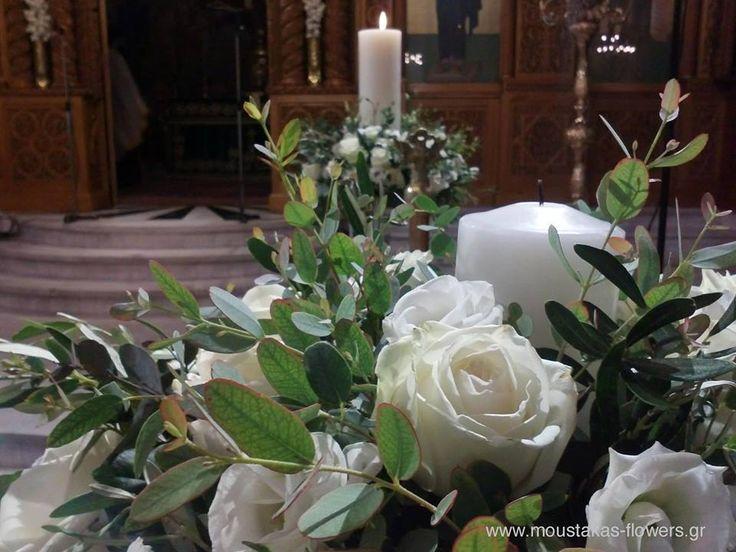 Moustakas flowers -Wedding deco #wedding #roses #whiteflowers #flowershop #decoration #Moustakasflowers