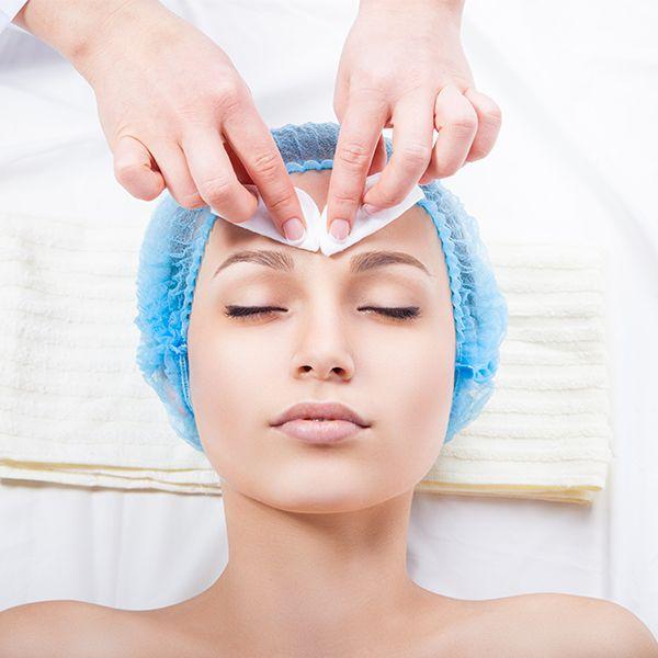Você sabia que o peeling químico pode revelar a beleza da sua pele tratando desde pequenas manchas e acne a lesões pré-cancerígena… | Perface Bem Estar | Pinterest | Skin Care, Facial and Cosmetology