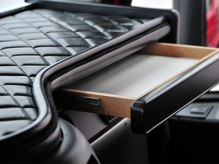 Volvo VNL V-Truck Custom Dashboard System - Raney's Truck Parts