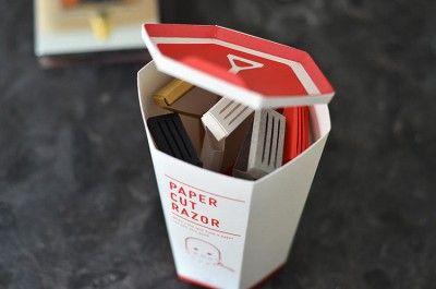 Todos nos hemos cortado alguna vez con un pedazo de papel, y sabemos que son de las cortadas más desesperantes que hay. El diseñador Nadeem Haidary, decidió inspirarse en este problema de la vida diaria y convertirlo en algo más útil.