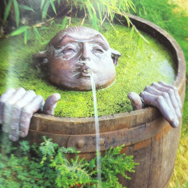 he he he: Gardens Ideas, Water Fountain, Barrels Fountain, Wine Barrels, Water Features, Gardens Fountain, Whimsical Gardens, Gardens Art, Barrels Men