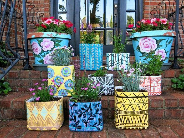 blumentopf bemalen basteln mit kindern diy ideen gartengestaltung balkon gestalten farbgebung in szene