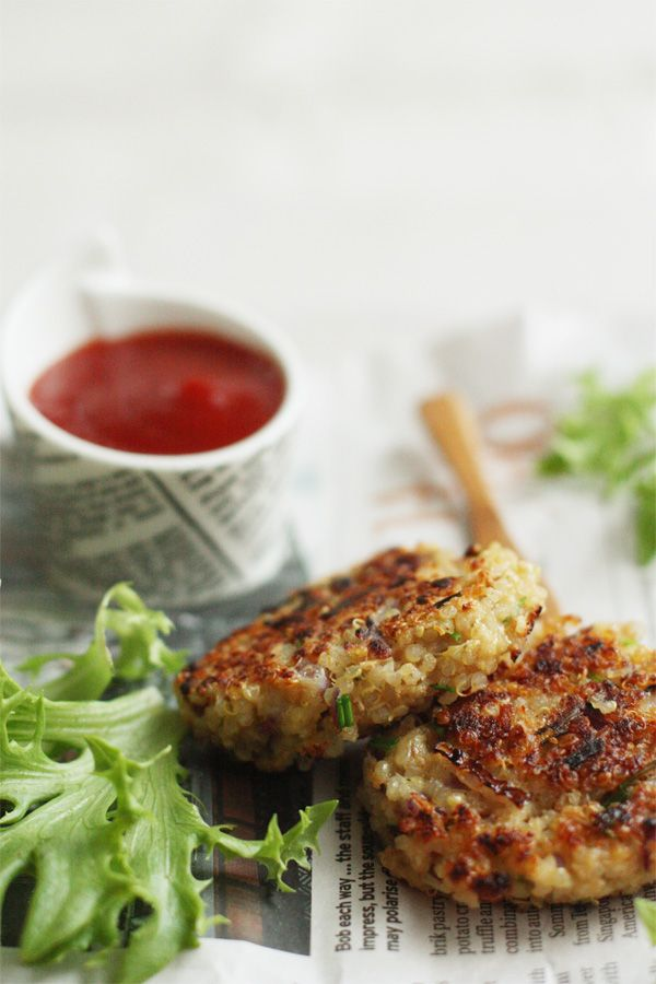 Garlick and thyme quinoa patties. I gotta try these, I can never think of anything good to make with quinoa.
