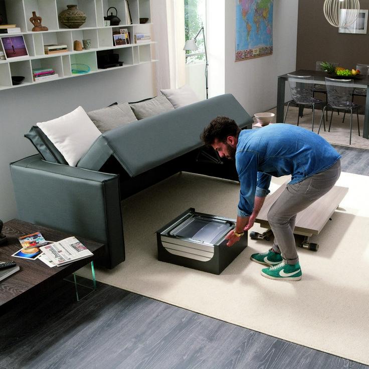 latest dcouvrez une table pliante qui est aussi bien une table basse quuune table haute with. Black Bedroom Furniture Sets. Home Design Ideas