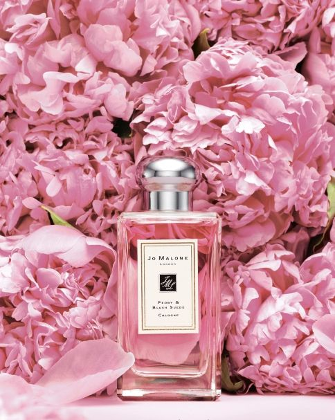 Who doesn't love peonies? Sweet perfume* lady fragrances* apply perfume *smell great *popular choice* pin it!