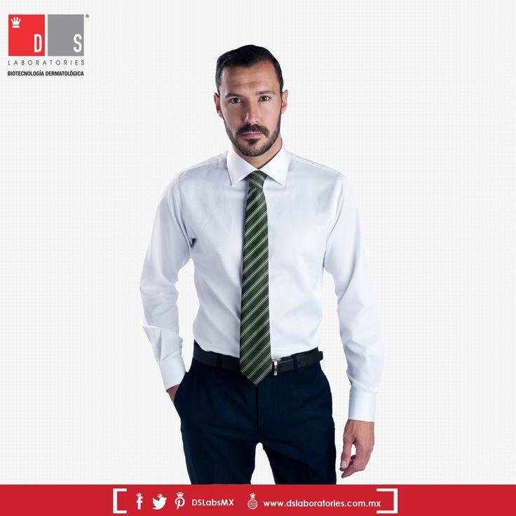 #DSTip: Para los hombres de hombros anchos se sugiere omitir el uso de corbatas delgadas para mostrar un estilo más proporcionado y estilizado.