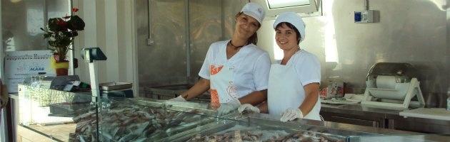 """Nata la prima società di pesca al femminile: """"Le donne in mare portano bene"""" - Il Fatto Quotidiano"""