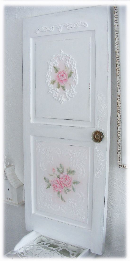 DIY Shabby Chic | DIY-SHABBY CHIC / Repurposed Painted Door
