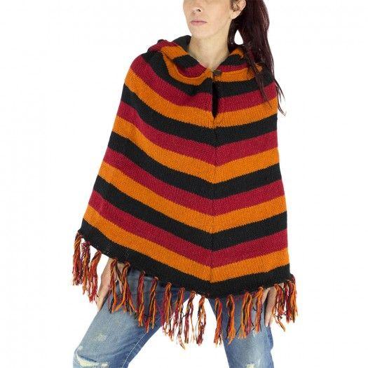 Poncho ethnique en laine véritable et capuche ronde. Ce poncho vous tiendras bien chaud lors de vos sorties hivernales, la capuche et doublée d'un intérieur doux et confortable en polaire. 100% laine. festival, teuf, rave, ethnique, hiver, automne, vêtement femme,femme, vêtement chaud, soirée en plein air, habit femme,coloré, hippie, baba cool, dreadlocks, franges, poncho à franges, poncho à capuche, capuche, rayures, orange, rouge, noir.