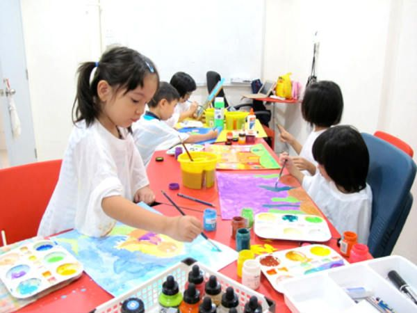 Do you have a creative baby? Nurture these activities with these amazing ideas i.e. create stick image, fun in the water, draw a colorful art, identify colors etc.