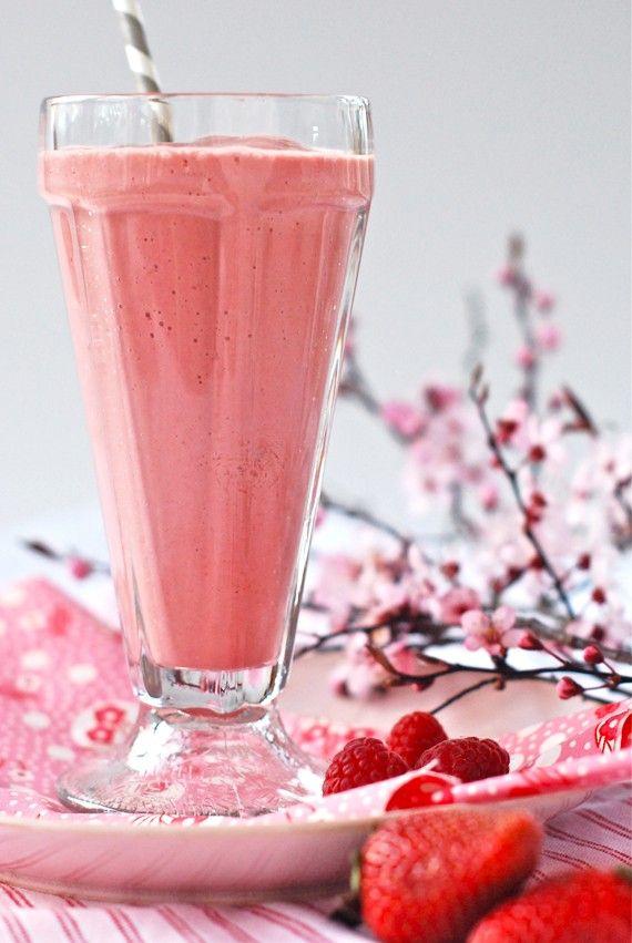Niskokaloryczne smoothies w sam raz na śniadanie. Dowiedz się, jak je zrobić