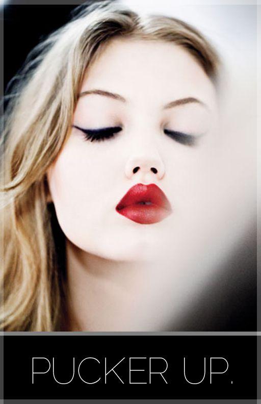 gorgeous lips: Red Lipsticks, Lindsey Wixson, Cat Eye, Wings Eyeliner, Makeup, Eye Liner, Lips Rouge, Lindseywixson, Snow White