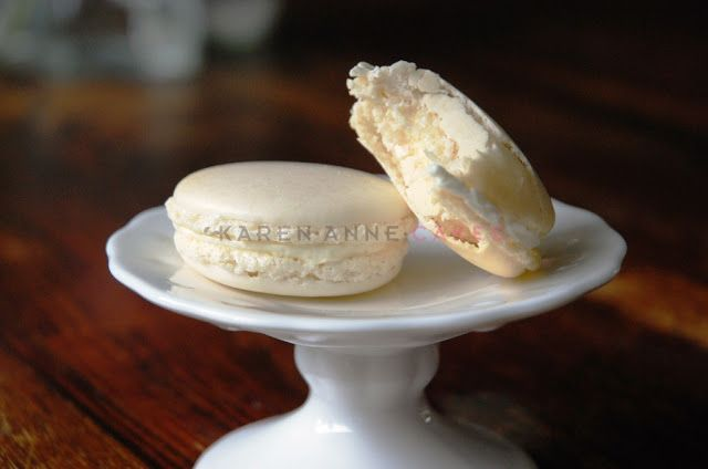 Karen Anne Cakes: Recept: Vanille Macarons. With great tips and tricks!