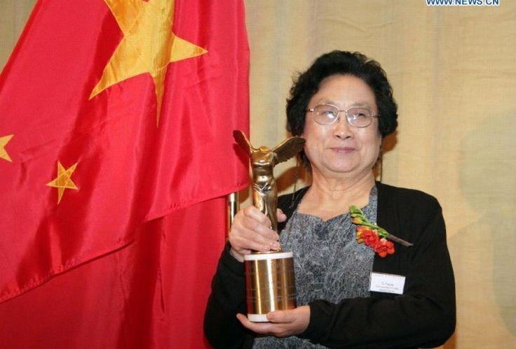 Az idei orvosi Nobel-díj egyik kitüntetettje a kínai Juju-tu professzorasszony volt, aki a malária elleni kutatásaiért kapta meg e magas elismerést. Eddig több mint egy évszázad alatt ő mindössze a 12. nő, aki orvosi Nobel-díjat kapott, az elsőt még 1947-ben érdemelte ki a prágai születésű, de az Egyesült Államokba...