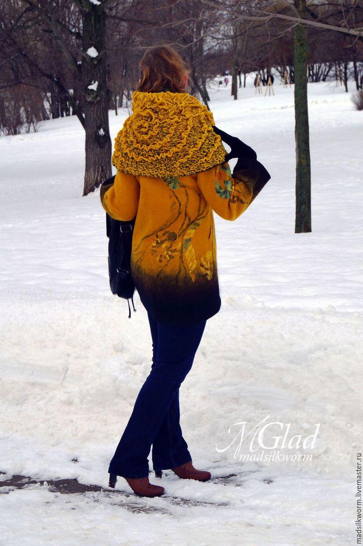 """Купить Пальто """"Скарабеи"""" - пальто, рыжий, золотистый, фактура, скарабей, шёлковая инкрустация, шерсть 100%"""