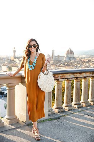 T-SHIRT DRESS UNDER $25 IN FLORENCE   Sequins and Things   Bloglovin'