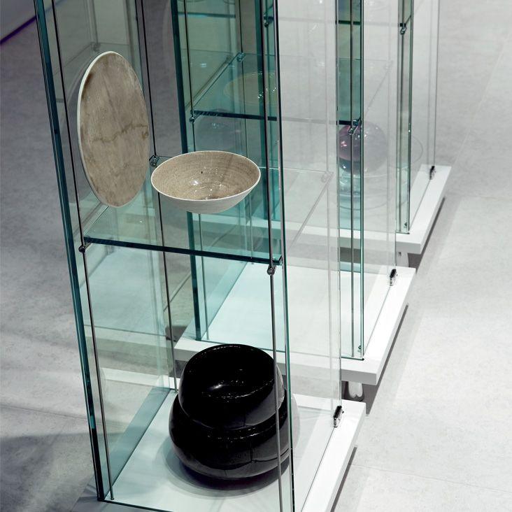 Mini Decor, vetrina by CATTELAN ITALIA.
