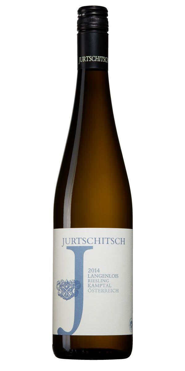 Ett friskt vin från Österrike med generös frukt. Typiska pärontoner och örtighet från en typisk österrikare.
