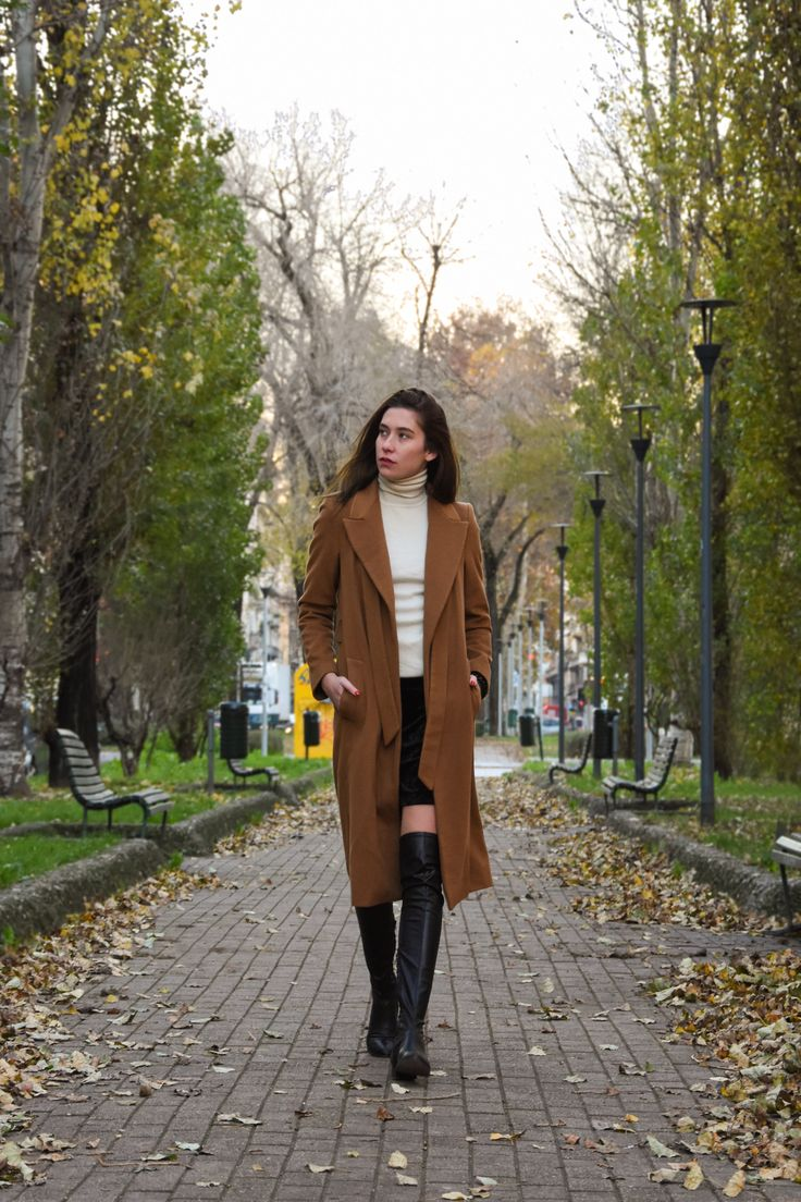 Melot, over the knee black boots, autumn, walking, park , leaves, Milan, city life, Lamperti Milano FW16
