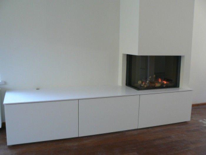 Hoek openhaard met tv meubel moderni unutarnji kamini in