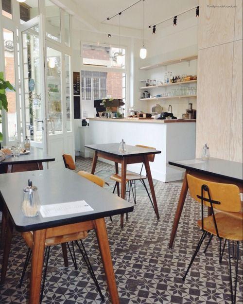 oreillystourdeforceofparis:  The Broken Arm - 12 rue Perrée 75003 PARIS   A concept store and an amazingly cute coffee shop